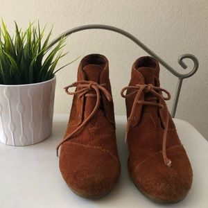 TOMS Suede Ankle Booties Size 7